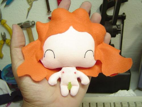 Boneca LUDA em formato de Eva (frente)
