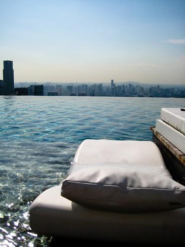 i wanna lie in here