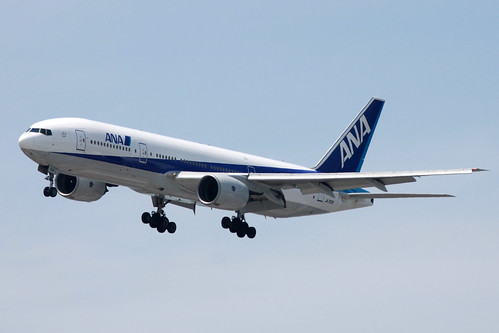 ANA B777-200(JA702A)