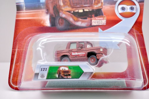 disney cars chase fred with fallen bumper international (3)