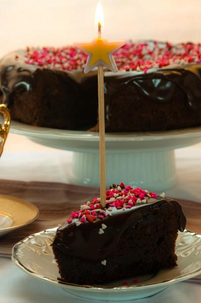 Chocolate mud cake with chocolate glaze