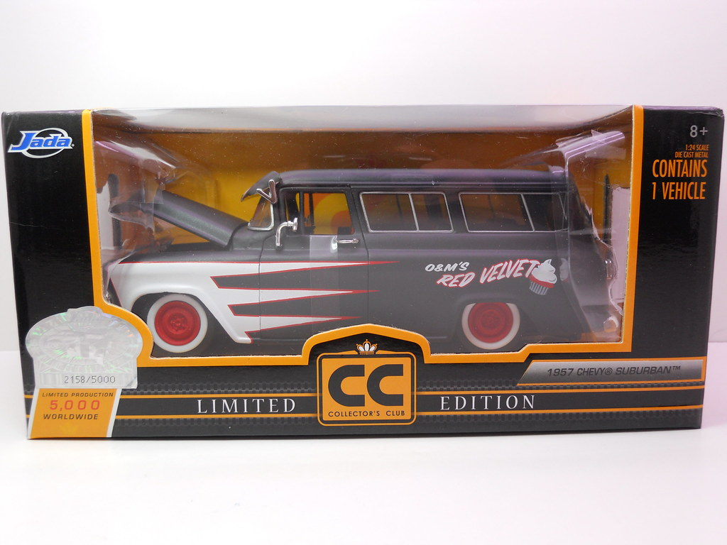 jada toys 1957 chevy suburban collectors club (1)