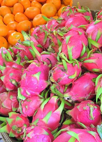 Dragon fruit & oranges