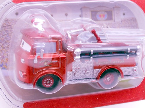 disney store CARS CHASE RED METALLIC  (2)