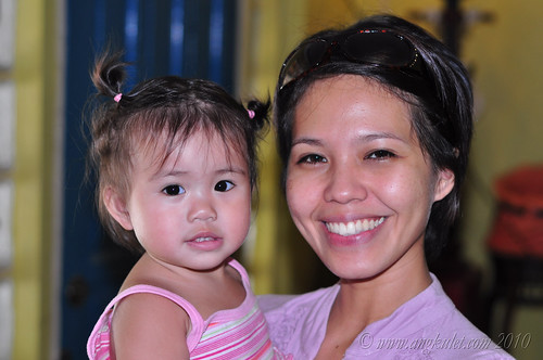 Lia with her Mama in her absolutely no make-up look at Cocina Juan
