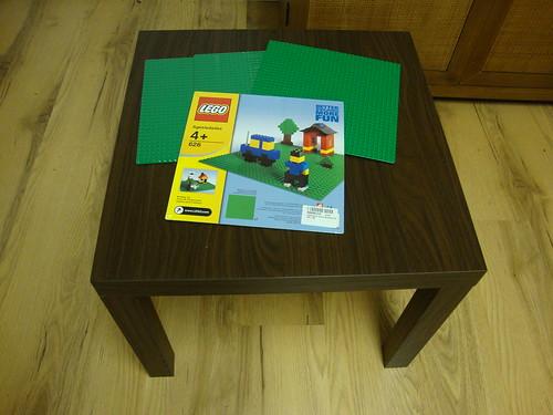IKEA-ized Homemade LEGO Table