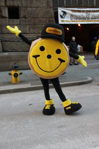Steelers Smiley cookie by daveynin, on Flickr