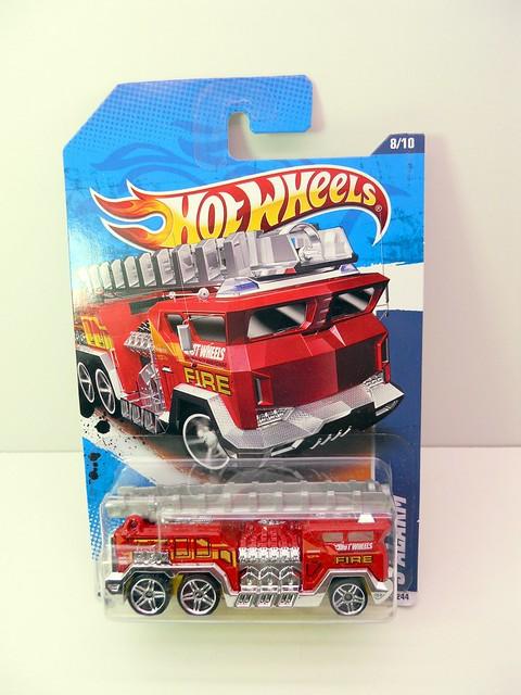 hot wheels 5 alarm (1)