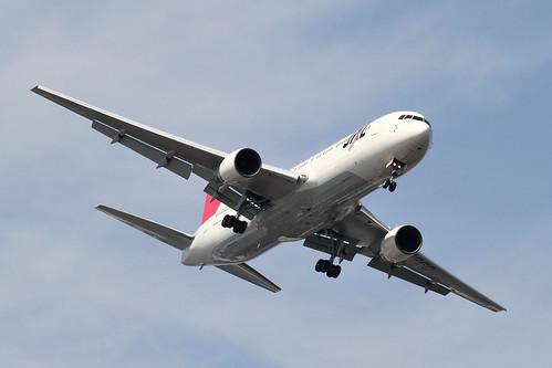 JAL B767-300(JA8269)