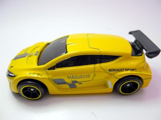 hot wheels megane trophy long card (4)