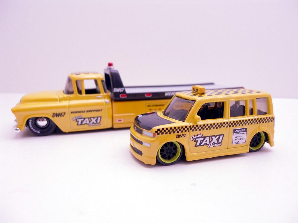 Maisto Hauler Scion xB taxi (2)