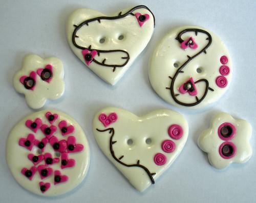 Tessa Ann Raspberry Vine buttons