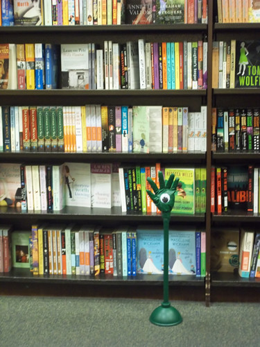 Barnes & Noble fiction section