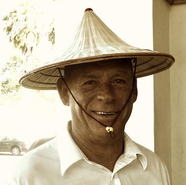 Sepia viet hat