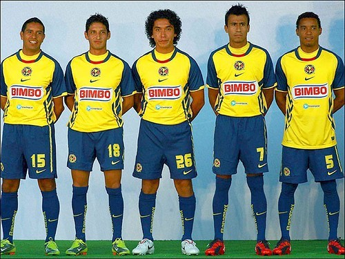 Club América Nike Apertura 2010 Home and Away Jerseys / Camisetas