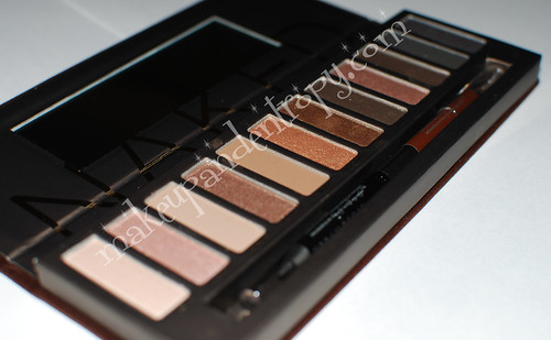 Naked palette-open2