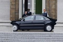 C'est qui ce type qui a été reçu par le Roi cette après-midi ?!