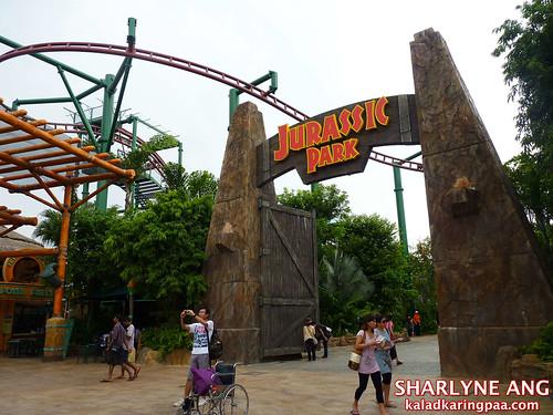 Jurassic Park entrance in Universal Studios