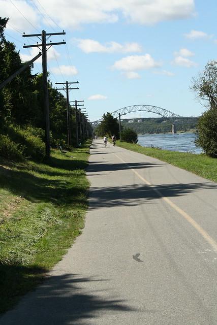 Canal walk/bike path