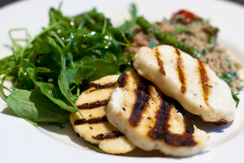Grilled halloumi & tabbouleh