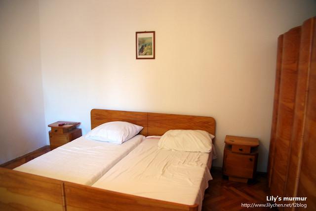 後來莫名其妙住到的民宿,應該不是合法的,像是民宅主人自己透過關係接客的。