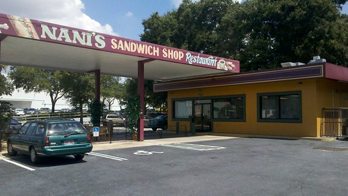 nani's sandwich shop restaurant