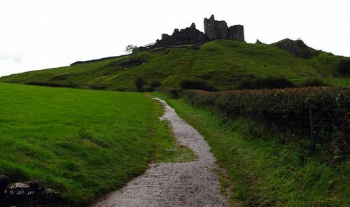Carreg-Cennen-Castle-005