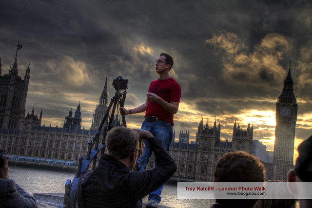 Trey Ratcliff HDR Photographer at the London Photo Walk in front of Westminster
