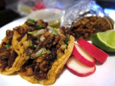 El Chato taco truck: al pastor tacos
