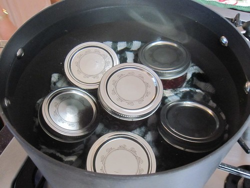 Vacuum seal the jam jars