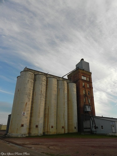 Grain Elevator, Beach, North Dakota