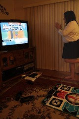 """""""Yes, she does DDR!"""" (1/3)"""