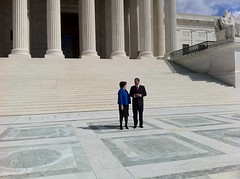 Elena Kagan and John Roberts in front of Supre...