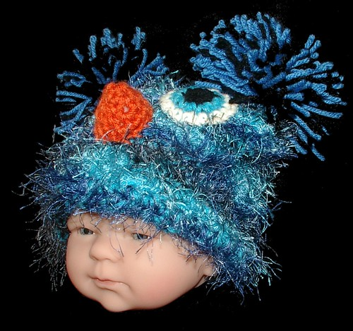 baby blue bird hat 3/4 view
