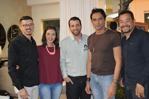 Jhonatas, Débora, Túlio Sena, Flávio Osamu e Joel Lima