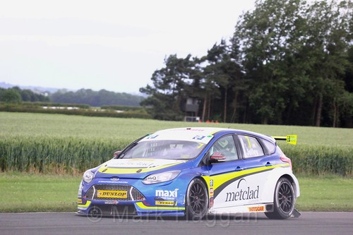 Stephen Jelley in BTCC action at Croft, June 2017