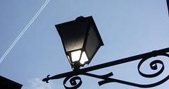 """Die Laterne. Die Laternen. Gaststätten haben häufig Laternen dieser Art. • <a style=""""font-size:0.8em;"""" href=""""http://www.flickr.com/photos/42554185@N00/35661304016/"""" target=""""_blank"""">View on Flickr</a>"""