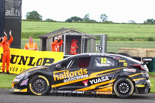 Gordon Shedden in BTCC action at Croft, June 2017