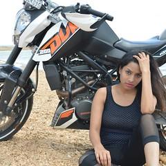 Bollywood Actress SALIYA Hot Photos Set-3 (13)