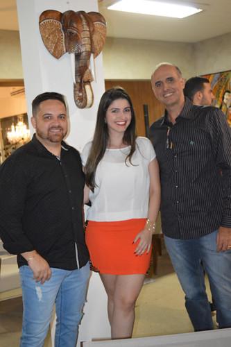 O empresário Portobello Lush, Lucas Ladislau, com sua Giulia Carvalho e o arquiteto Rodrigo Guerra