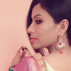 Bollywood Actress SALIYA Hot Photos Set-2 (21)