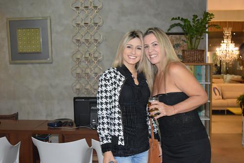 A arquiteta Letícia Soares e Claudinha Damasceno