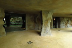 294 - 2017 06 10 - In het gorillaverblijf in aanbouw (grot voor de dieren)