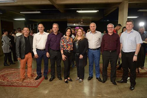 Luciano com os presidentes dos Sindicatos, gerentes Unidades SESI, SENAI e FIEMG Vale do Aço e o diretor presidente do APL metalmecânico do Vale do Aço