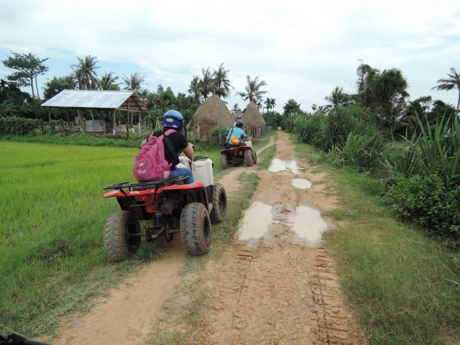 ATV四輪驅動越野車,JC景成柬埔寨國際航空,吳哥窟,慶澤旅遊,柬埔寨 @VIVIYU小世界