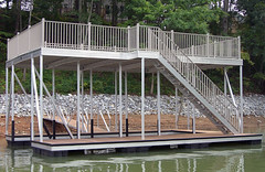 Single Slip, Upper Deck / Sundeck Docks