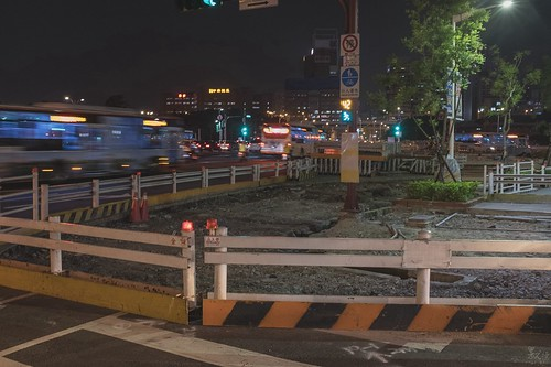 台灣奇特現象每隔一段時間,總是會看到路邊又再施工,印象中剛弄好沒多久的人行道總是沒多久就刨掉,台灣人似乎習以為常,但仔細想想是不是哪裡不對?