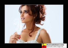 Indian Actress DIMPLE CHOPADE Hot Photos-Set-1 (4)