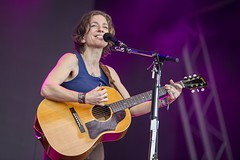 """Anni DiFranco - Cruilla Barcelona 2017 - Viernes - 3 - M63C4048 • <a style=""""font-size:0.8em;"""" href=""""http://www.flickr.com/photos/10290099@N07/34956865994/"""" target=""""_blank"""">View on Flickr</a>"""