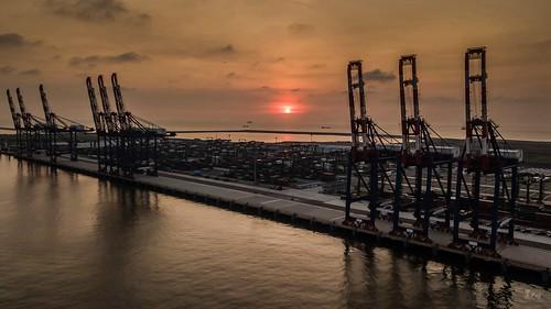 台北港夕陽